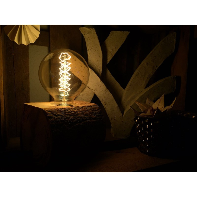 baumstamm lampe amazing baumleuchte fr das brauhaus in. Black Bedroom Furniture Sets. Home Design Ideas